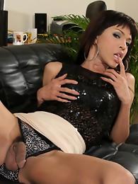 Hot brunette Alice shows her big ladystick