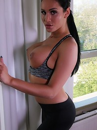 Are You Fit Enough to Take on Sporty Kimberlee? She will Fuck You Like a Marathon