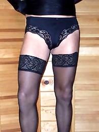 Beautiful long cross dressing legs in nylons