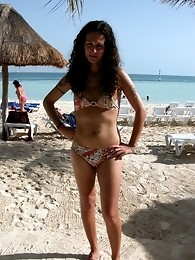 Few hot shots of Nikki in Cancun at the beach