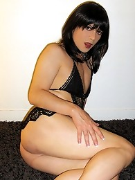 Horny crossdresser with a gorgeous face showing off her assets
