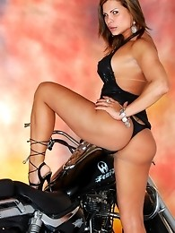 Transsexual Viviane posing her hot irresistible body
